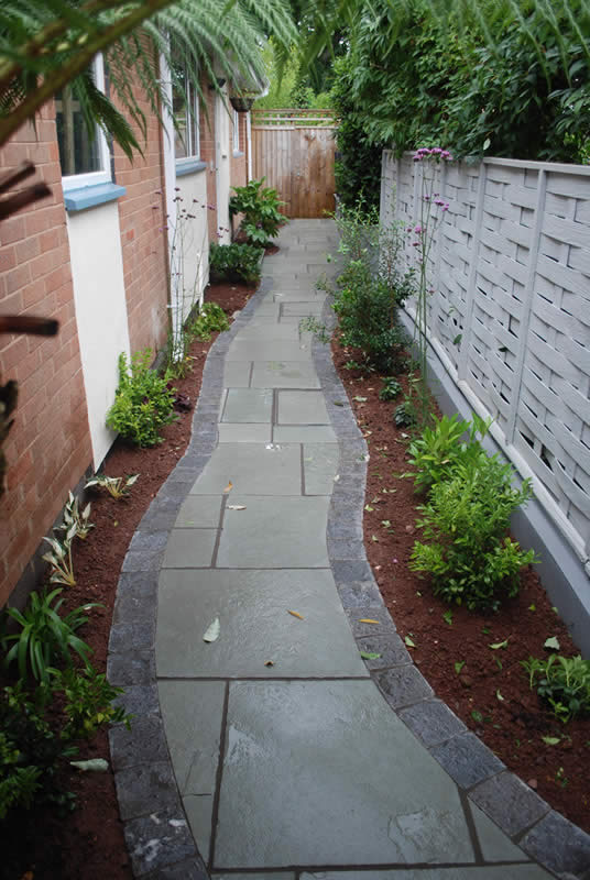 Modern curved paving, Newton Abbot