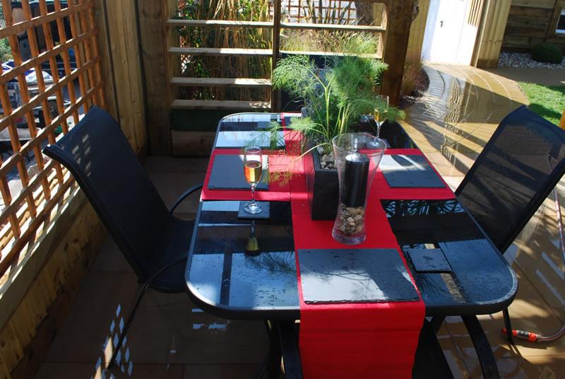 Al fresco garden dining areas